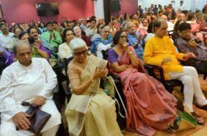 मुंबई में सप्तरंगी काव्य संध्या.... रिपोर्ट - देवमणि पाण्डेय। 7