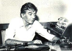 गुलशन बावरा : वो गीतकार जिसने दोस्ती से लेकर देशभक्ति तक हर रंग के गीत लिखे 3