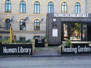 संपादकीय - मशीनों के दौर में मानव पुस्तकालय 7